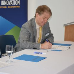 CALAREO and Mitacs sign agreement